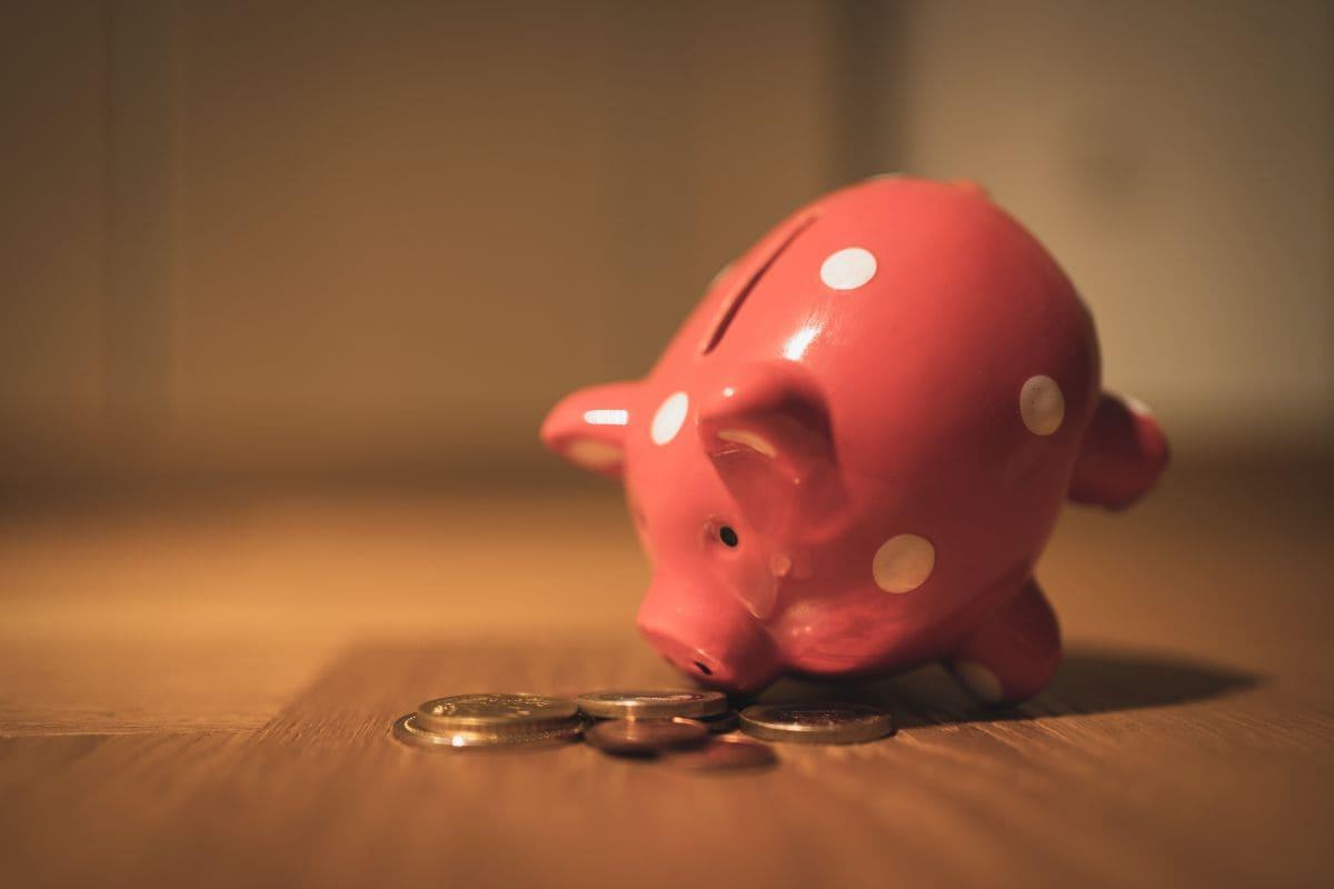 Minder uitgeven, goedkoper, gratis, energie, verzekering, zichtrekening, bank, winkel